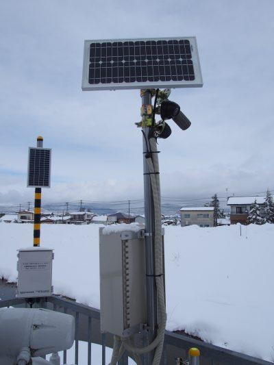 10W~20W太陽電池を使用